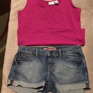 SHORT GAP JEANS SIZE 8. TOP CHICO'S size 1